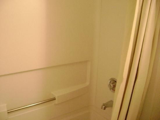 Suburban Extended Stay of Myrtle Beach: Clean bathroom, before we came