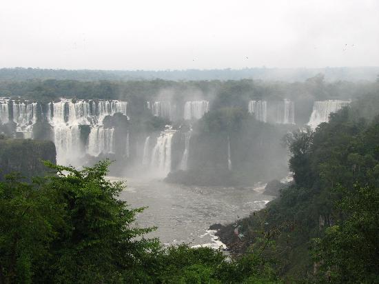 Puerto Iguazu, Argentina: Vista desde el lado Brasileño