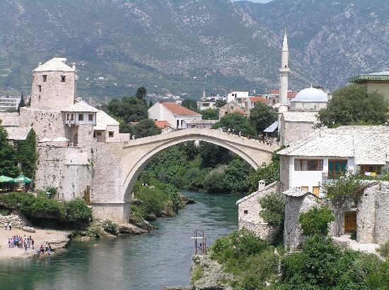 Croatia: Stari most bridge in mostar