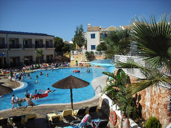 Aparthotel Paradise Club & Spa: Pool Area (bottom)