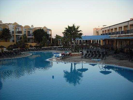 Aparthotel Paradise Club & Spa: Lower Pool