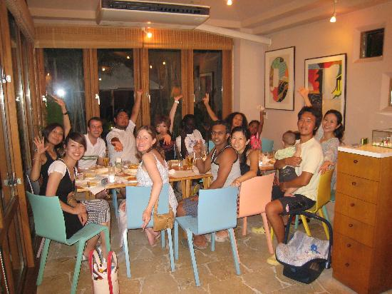 Iriwa Guesthouse & Backpacker's Dormitory: Iriwa Guests out for dinner