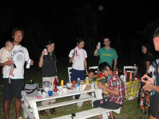 Iriwa Guesthouse & Backpacker's Dormitory: Party in the Iriwa garden