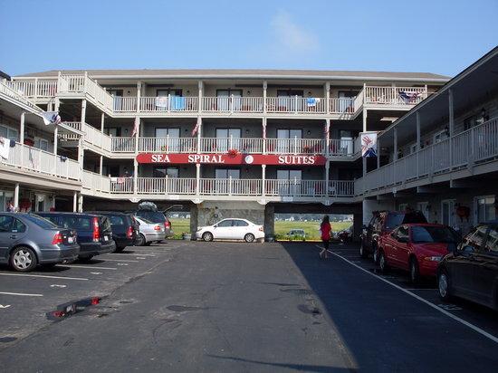 Sea Spiral Suites: L'extérieur de l'hôtel 1