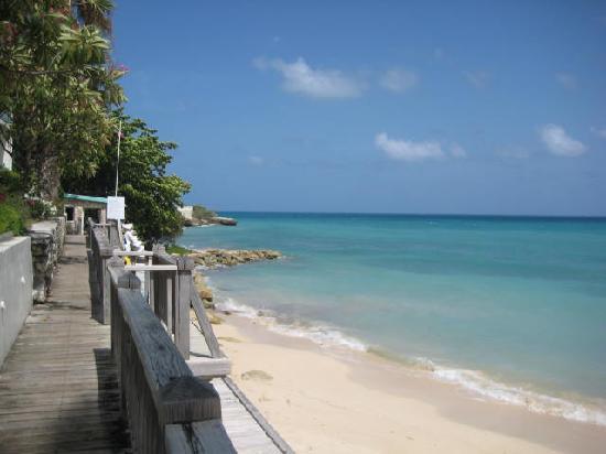 Blue Waters Antigua: boardwalk along beach
