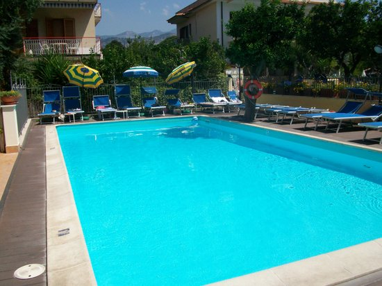 Sant'Agnello, Italia: Pool area