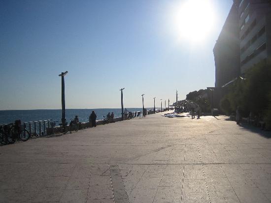 Hotel Capri: The pier in Grado