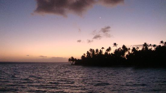 Tahaa, French Polynesia: tramonto dal sunset overwater