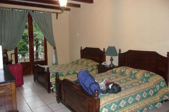 Hotel Alhambra: Inside our room