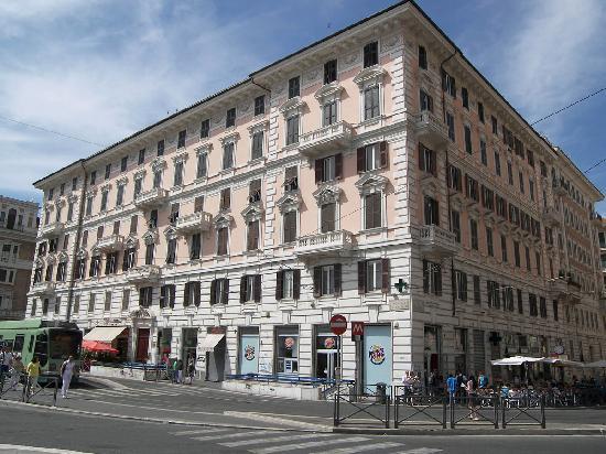 Relais Piazza Del Popolo: edificio
