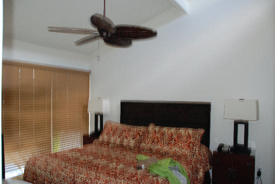 Aina Nalu: Bedroom