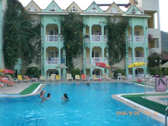 Efem Apartments - Iclemer Turkey August 2008