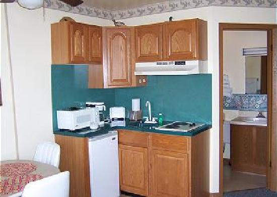 Assateague Inn: Nice Kitchenette
