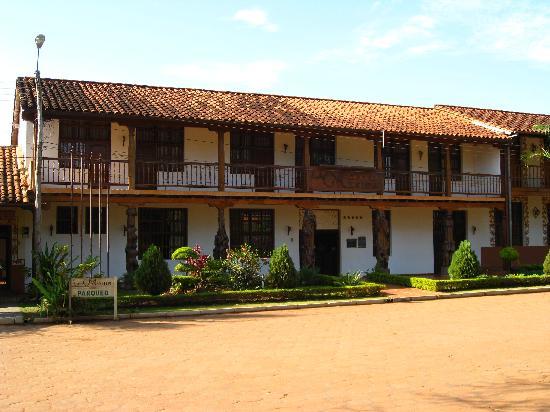 San Ignacio de Velasco, Bolivia: hotel frontage