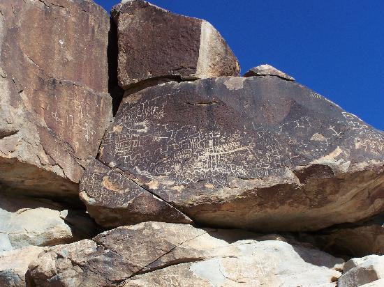 Grapevine Canyon : Glyphs