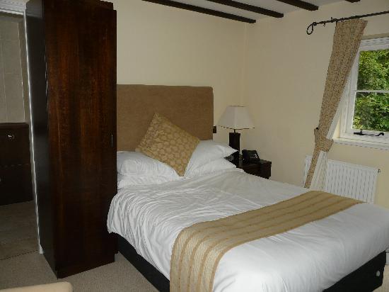 The New Inn: My room - Shiraz