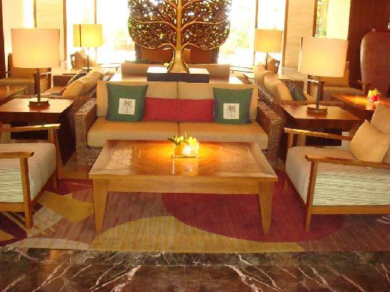 Shangri-La's Rasa Sayang Resort & Spa: lobby