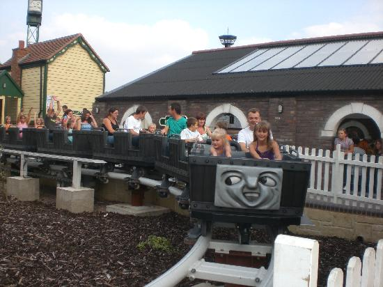 Drayton Manor Park: troublesome trucks ride