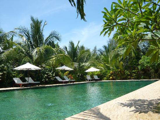 Cham Villas: The pool