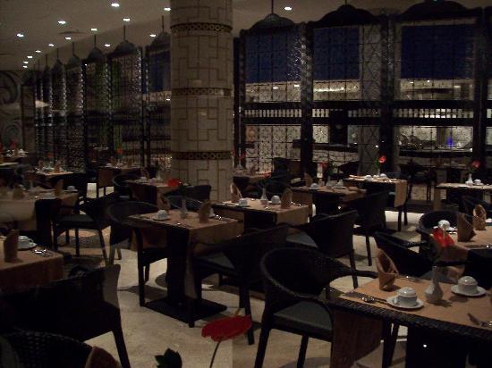 Secrets Maroma Beach Riviera Cancun: World Cafe Buffet Restaurant