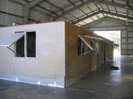 Kiribati: Kanton primary school