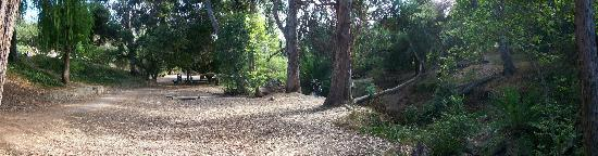 Temescal Gateway Park: panoramic photo of park west of parking lot