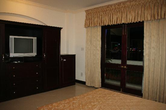 Y Van Hotel: Our room
