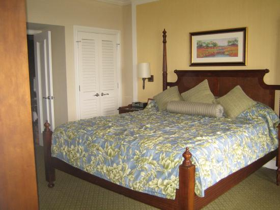 Hyatt Coconut Plantation: master bedroom