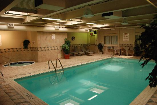 Best Western Airport Inn: Pool Area