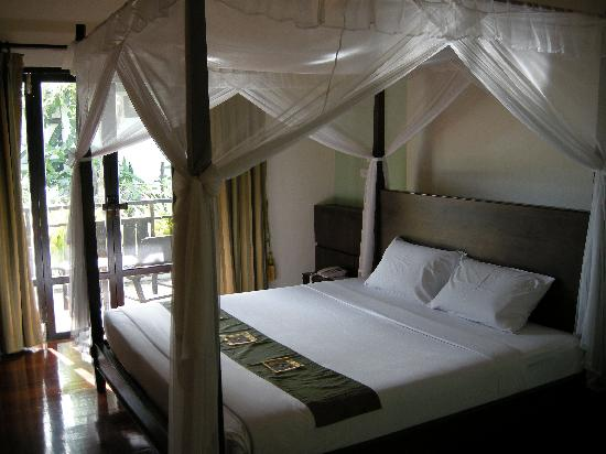 Kao Tao Villa Beach Resort: Bedroom - room 501