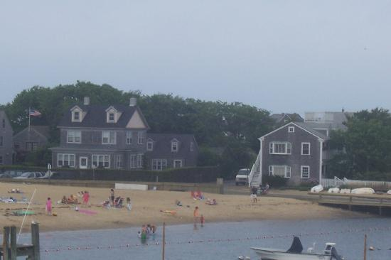 Safe Harbor Guest House: View of Children's Beach from ferry