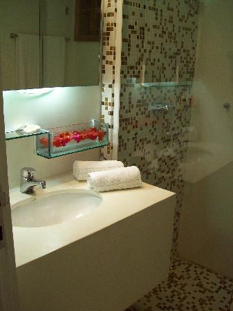 hermosos baños en suite ESTE ES EL BAO DE NUESTRA SUITE HERMOSO Picture Of