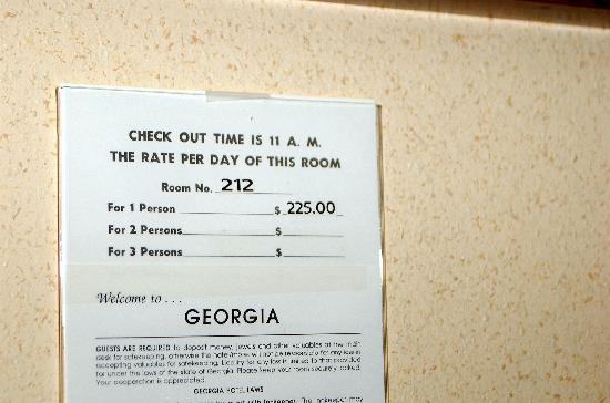Baymont Inn & Suites Thomasville: te-he...I paid $70.55 total...have no idea how this figure came about!