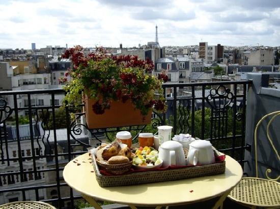 Hotel De Banville Amelie Sweet Fantastic Balcony Breakfast
