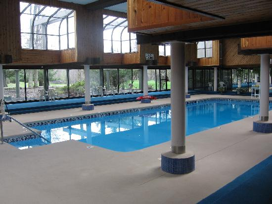 Tanglwood Resort: Indoor Swimming Pool