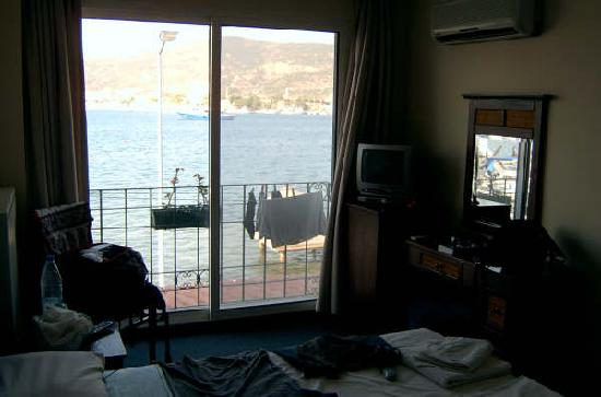Foca Yali Hotel: vista habitación