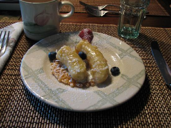 The River Lodge Bed and Breakfast: Breakfast, course #1, bananas broiled with something yummy