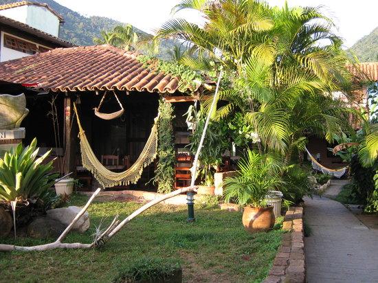 Pousada Tropicana: Jardin intérieur