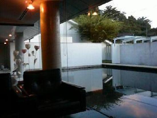 Tamana, Japón: 美術館のような館内