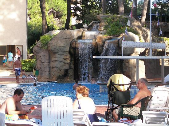 Jaime I Hotel: Seconde piscine à cascade