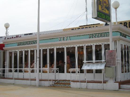 Pizzeria Pepa: mars 2008 le temps ne permet pas d'ouvrir sur le paséo