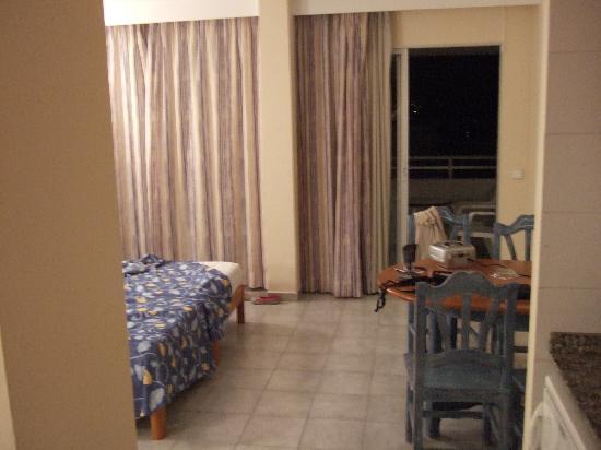Vista Club Apartments: room