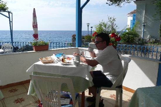 Hotel La Conchiglia: lovely breakfast