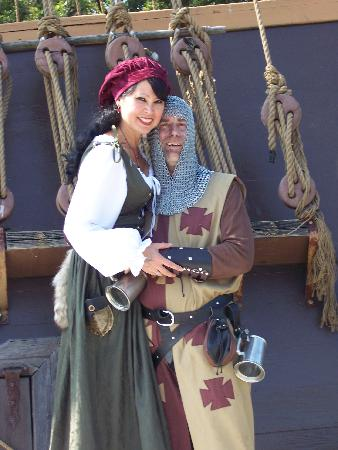 Holiday Inn Wilmington: ME AND HUBBY AT OHIO REN FAIRE 8 MILES AWAY FROM THIS H.I.