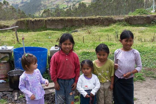 Ali Shungu Mountaintop Lodge: Taylor and Jose Maria's kids