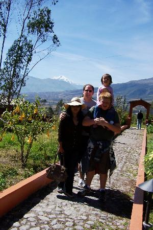 Ali Shungu Mountaintop Lodge: Cayambe Mountain in the back on a clear day