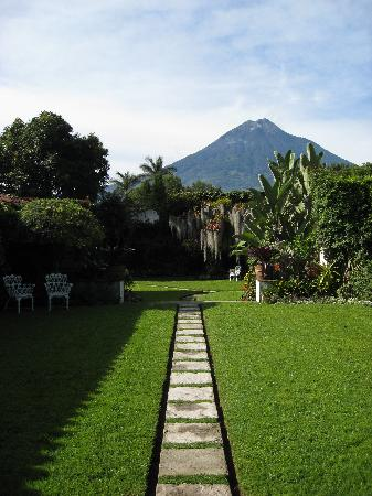 Mansion del Pensativo: The view from the dining area