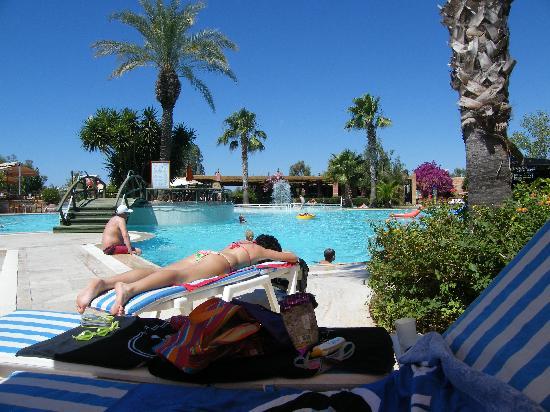 The Sense De Luxe Hotel: Main Pool