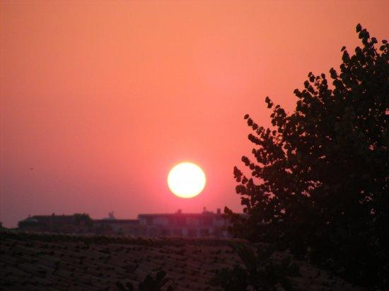 Sol Nessebar Bay: Sunset over Nessebar