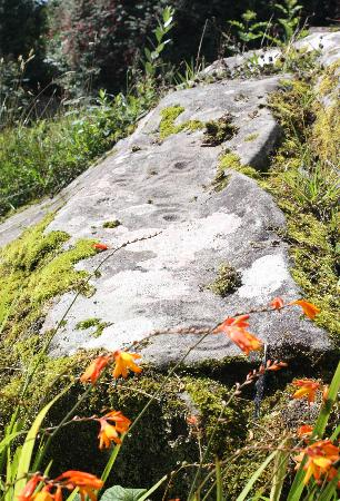 Clew Bay Archaeological Trail : Ireland: co. Mayo - Clew Bay Trail 2: Boheh Stone